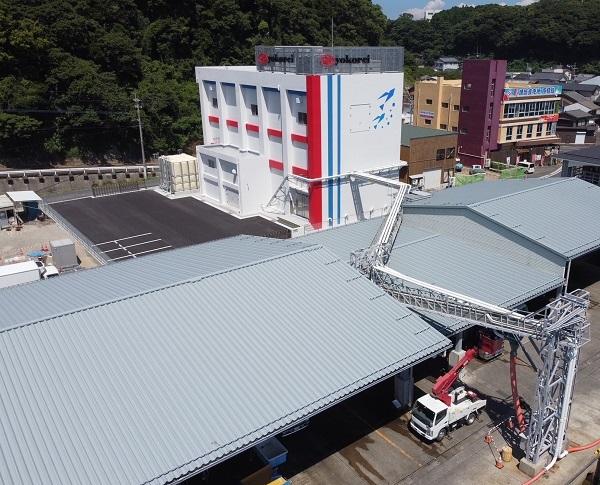 ヨコレイ、長崎県に国内最大級の完全自動化製氷工場を竣工